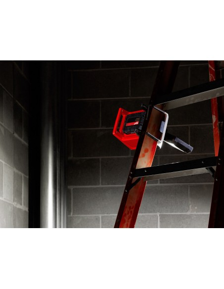 Faro LED M18PAL-0 Milwaukee portatile con testa orientabile